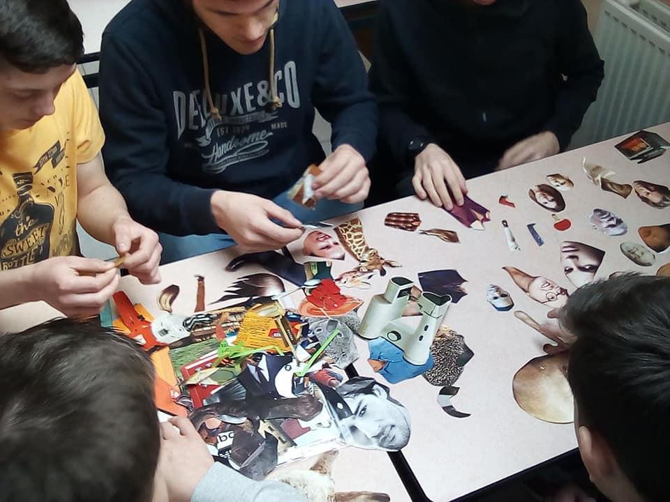 intervention d'un réalisateur de films d'animation en Tle #STAV dans le cadre de l'opération Lycéens aux cinéma en ESC. Les élèves ont réalisé leur propre film d'animation selon plusieurs méthodes.
