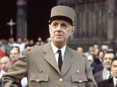 🔵 Le général de Gaulle a toujours refusé de commémorer le débarquement allié du 6 juin 1944.